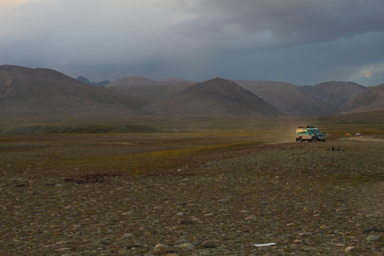 Driving across the Deoasai Plains